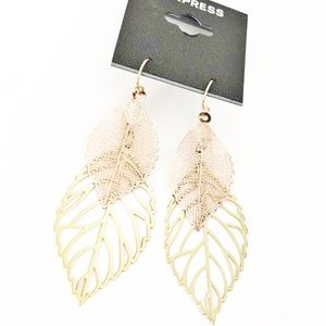 Express mixed metals Leaf filigree Earrings